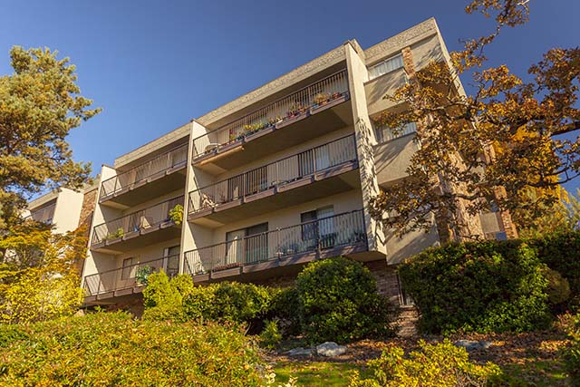 Saanich Apartments For Rent