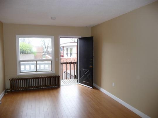Lakeshore Toronto Apartment For Rent