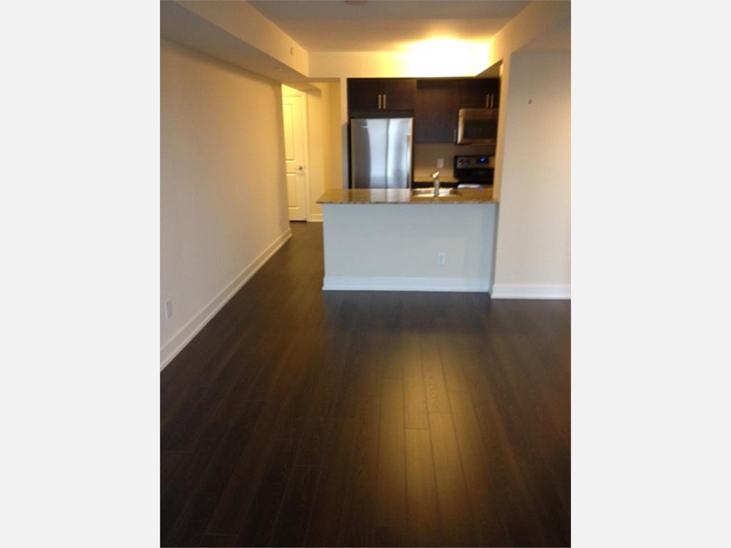 Room For Rent In Etobicoke