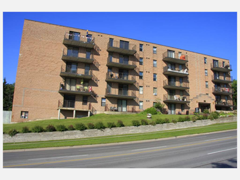 114 Anne Street North, Barrie - Apartment for Rent
